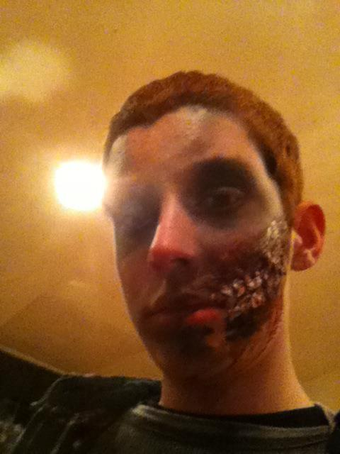 How to Make Yourself Look Like a Zombie(tested)