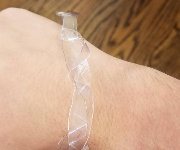 How to Make Rope for a Bracelet From a Plastic Bottle