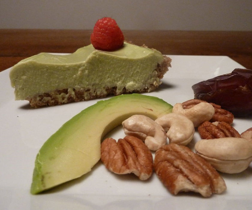 Completely RAW Avocado Key Lime Pie