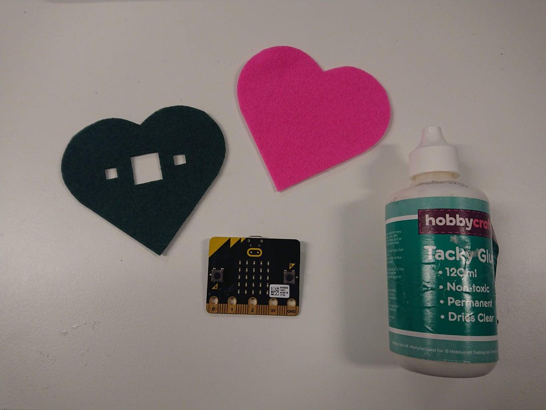 Creating the Felt Badge - Using Glue
