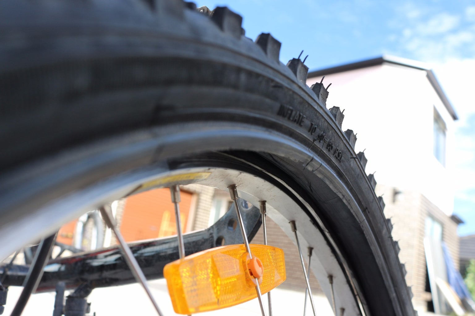 Putting the Tyre Onto the Rim
