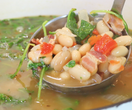 How to Make White Bean Soup With Kale and Parmesan Cheese