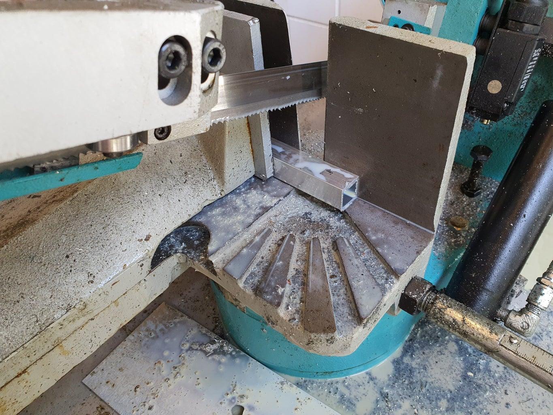 Step B1: Cutting the Aluminium L- Pieces