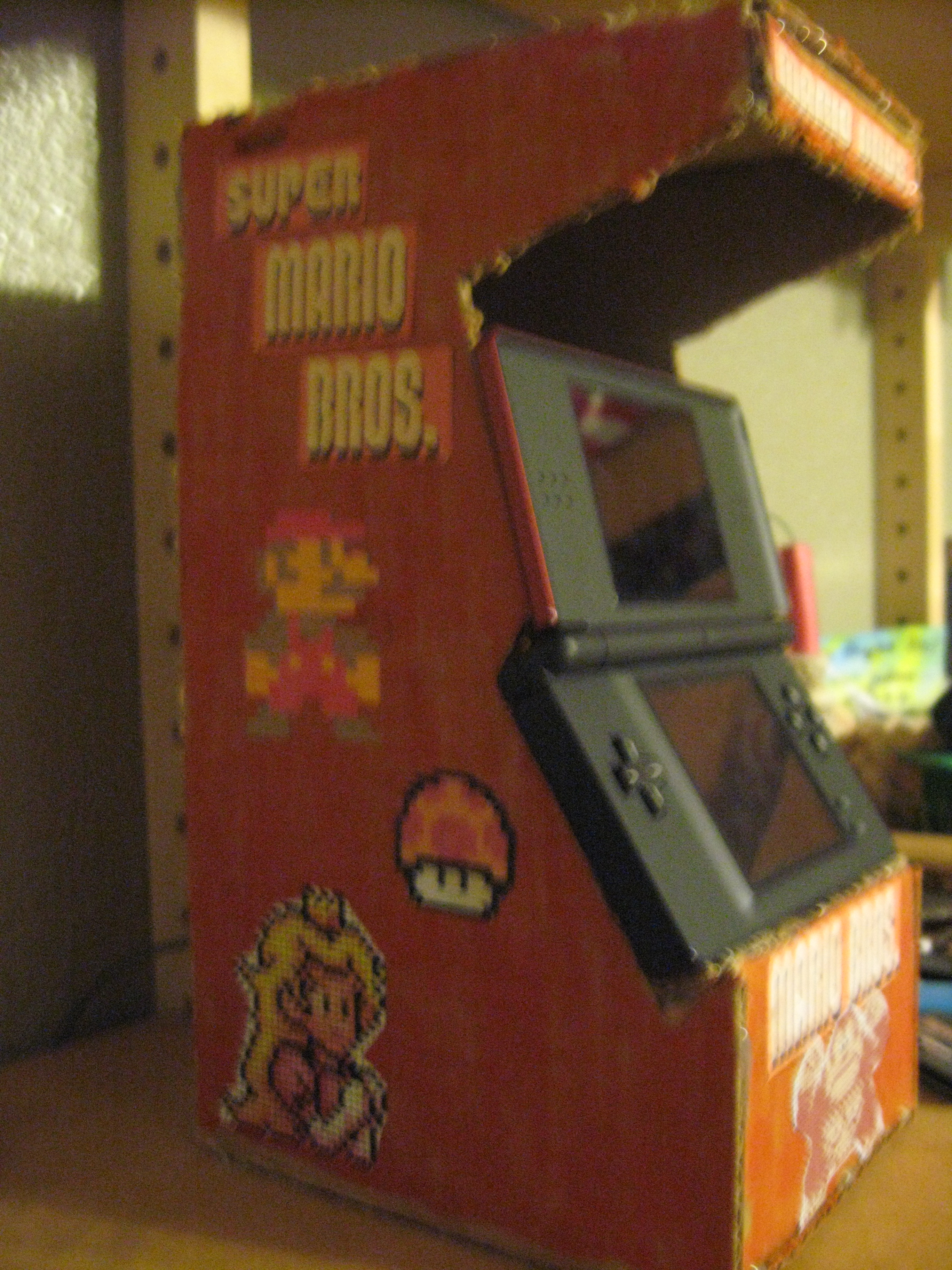 Nintendo DS arcade stand / charger