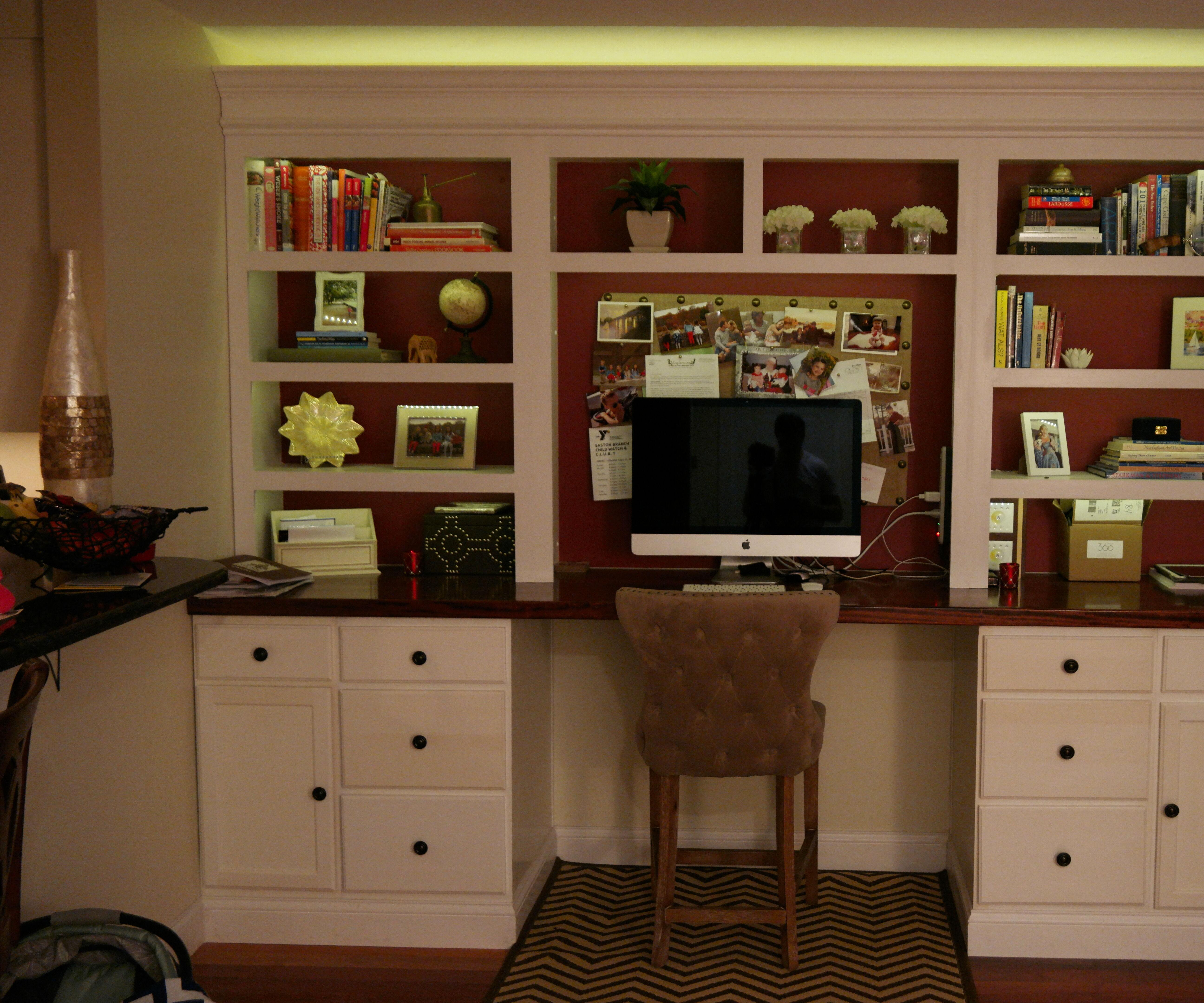 Two color LED-lit, built-in bookshelf with desk