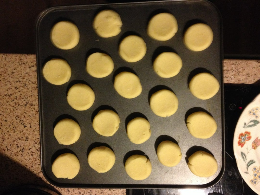 Making the Cold Dough Into Balls