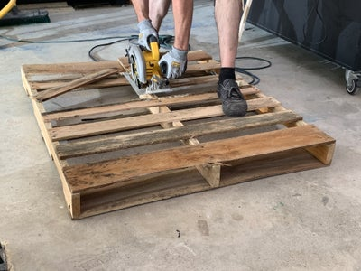 Cut Pallets to the Appropriate Depth