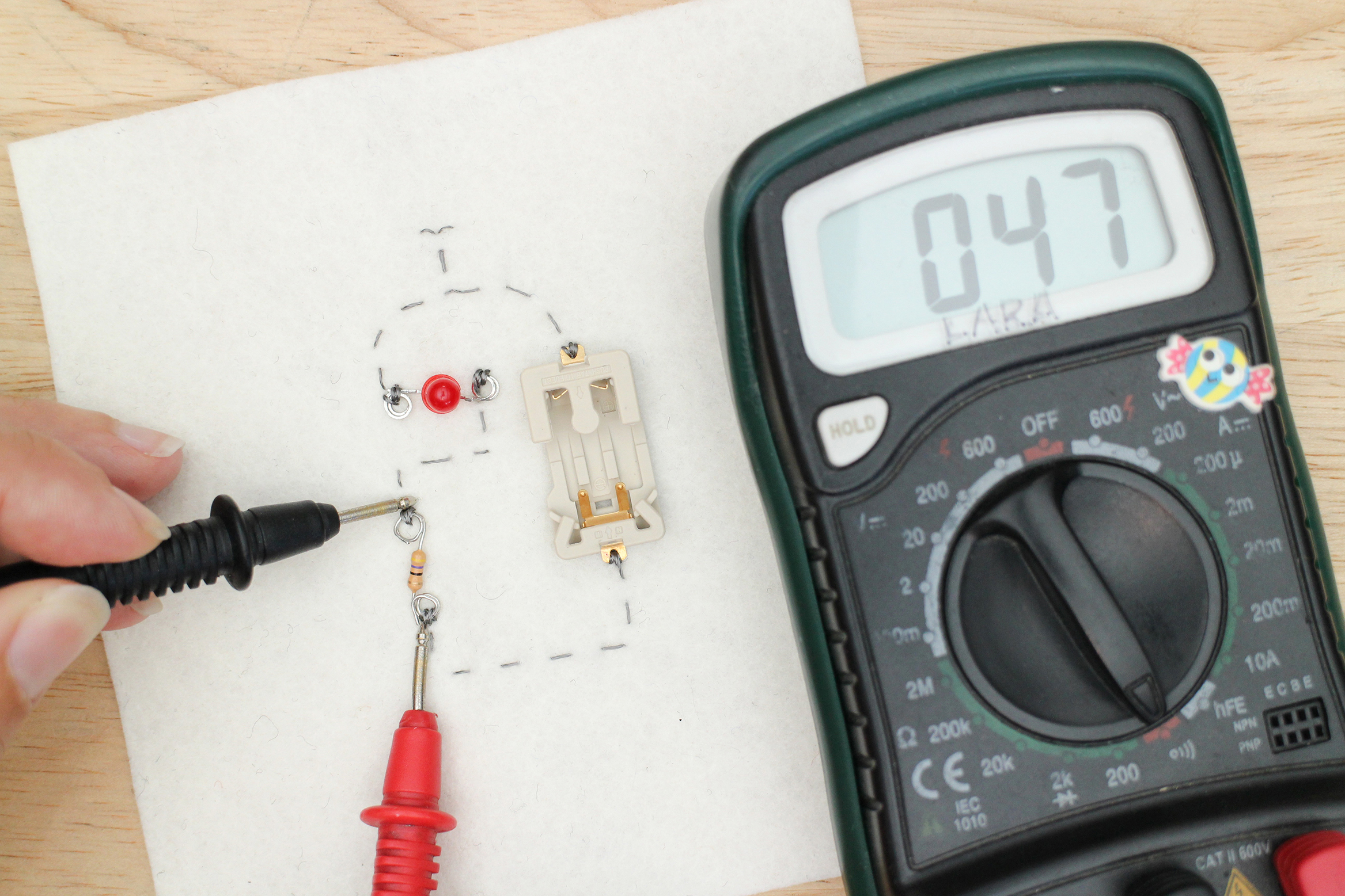 Sew A Circuit Create Hfe Tester Design As Tool In Electronic Testing For Short Across The Resistor Multimeter Will Be Silent Which Is Good Number However Pop Up On Screen