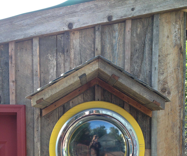 Tiny House Washing Machine Window