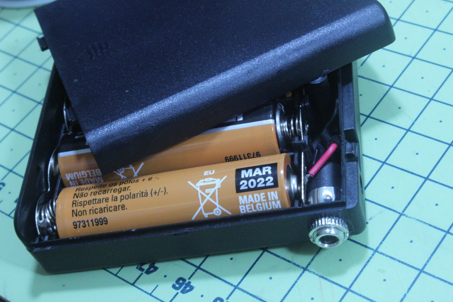 SECTION E: Power-Up (Battery or Mains Power Adapter)