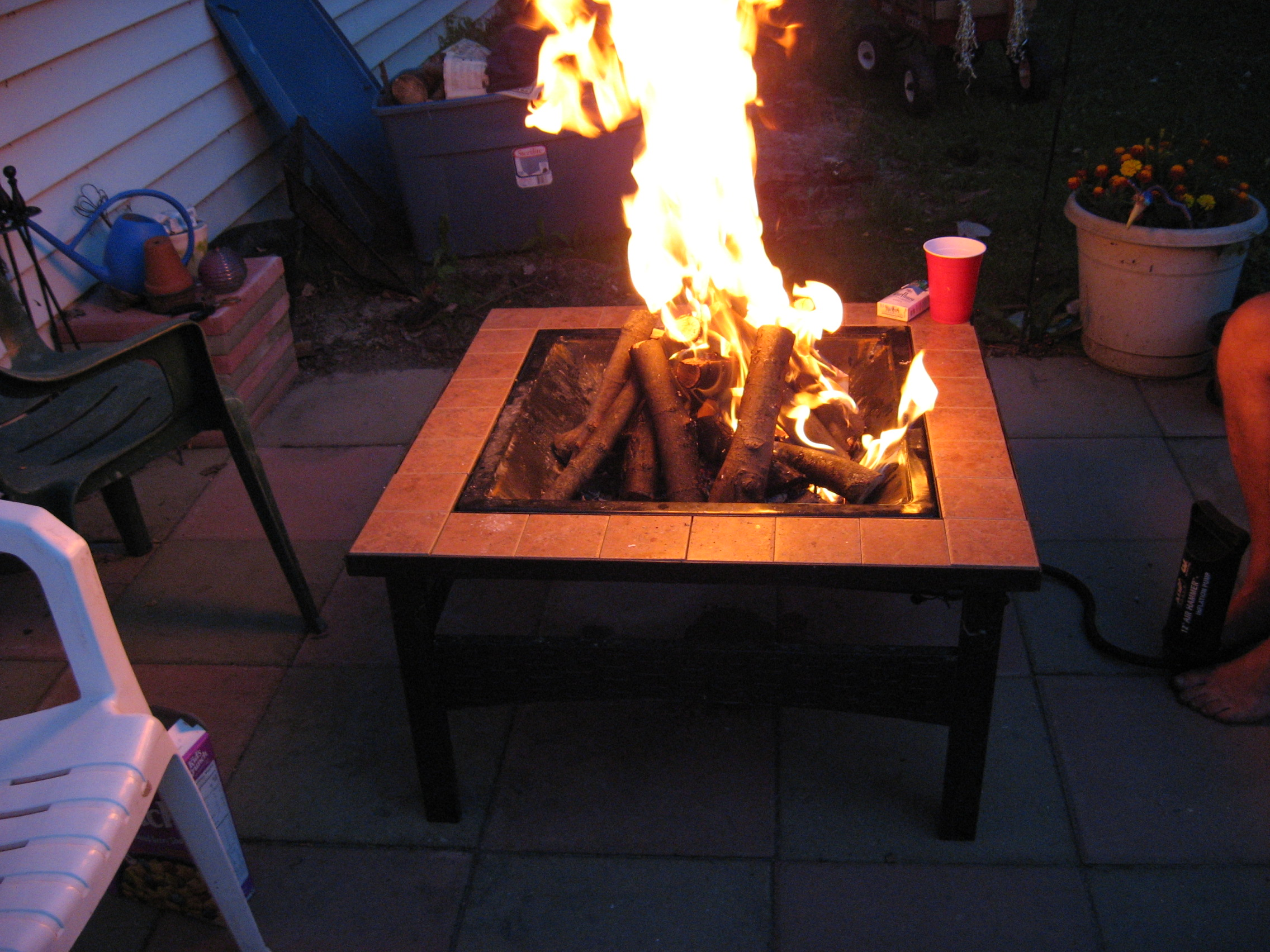 PUMP ME UP AIR patio fire place