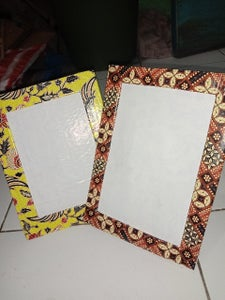 Unique Photo Frames From Used Items
