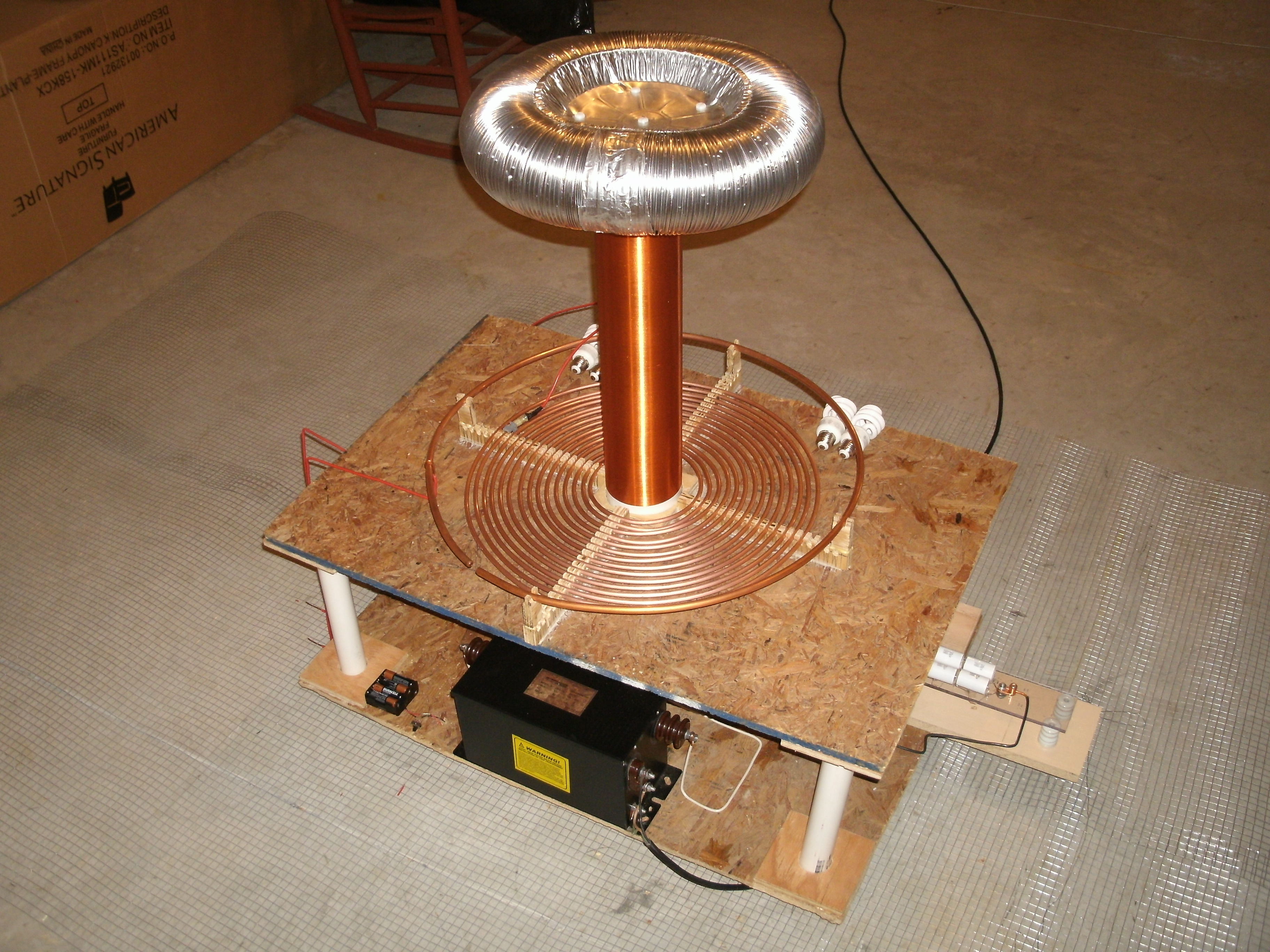 Building a Tesla Coil In 9 Easy Steps!