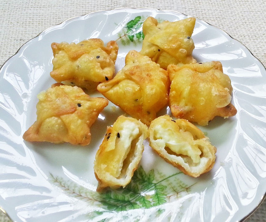 Prepare Delicious Wrapped and Fried Cheese