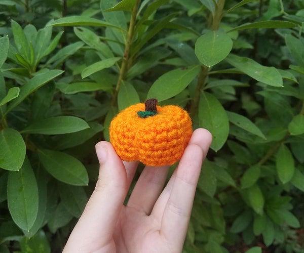 Easy Crochet Mini Pumpkin -a Visual Guide for Beginners-