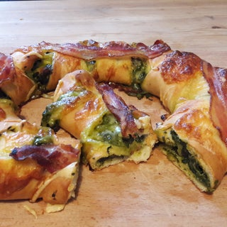 Chicken Spinach Cream Pizza Ring Recipe
