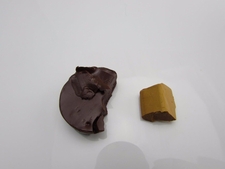 Clay Leaf Button