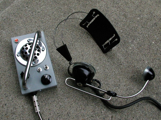 Build a Battery-Powered Amp for an old Carbon Mic