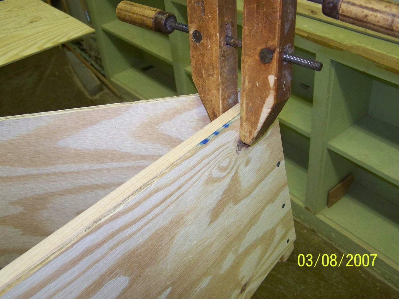 Installing the Chine Logs
