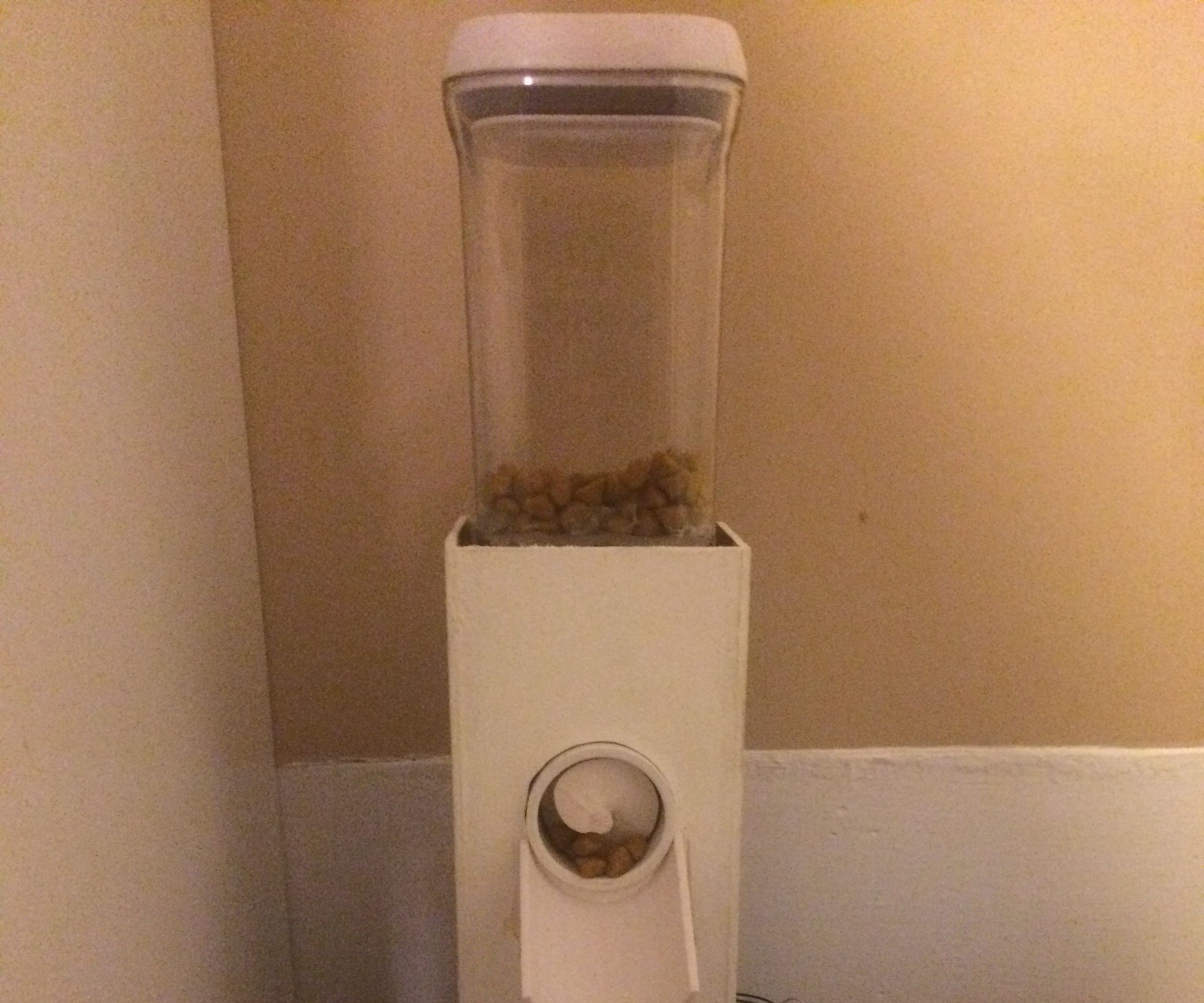 Automated / Voice Activated Cat Feeder