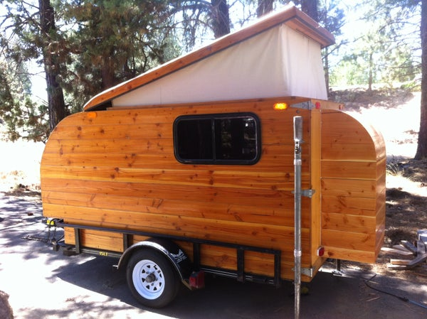 Self-made Wooden Camper (Kleine Cabine)