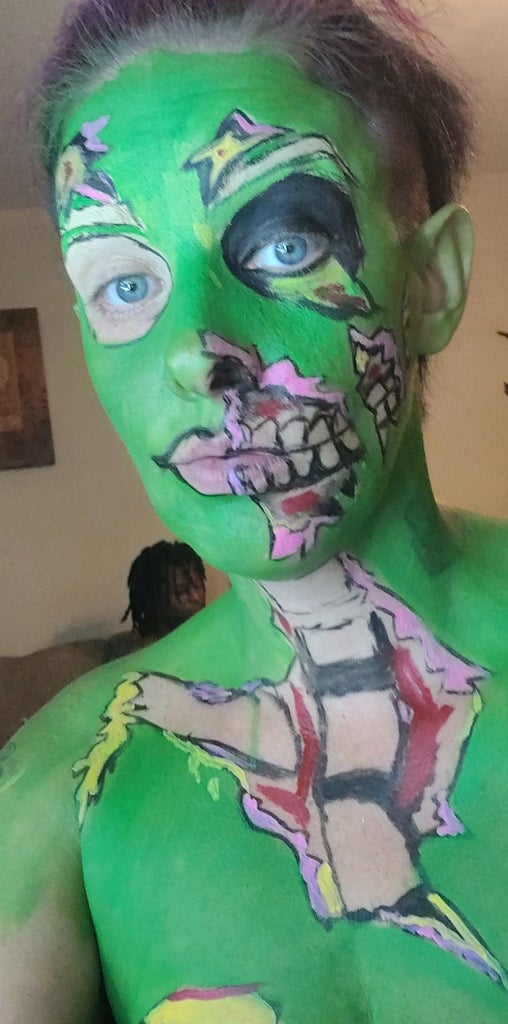 Makeup or Cosplay Pin Up Zombie