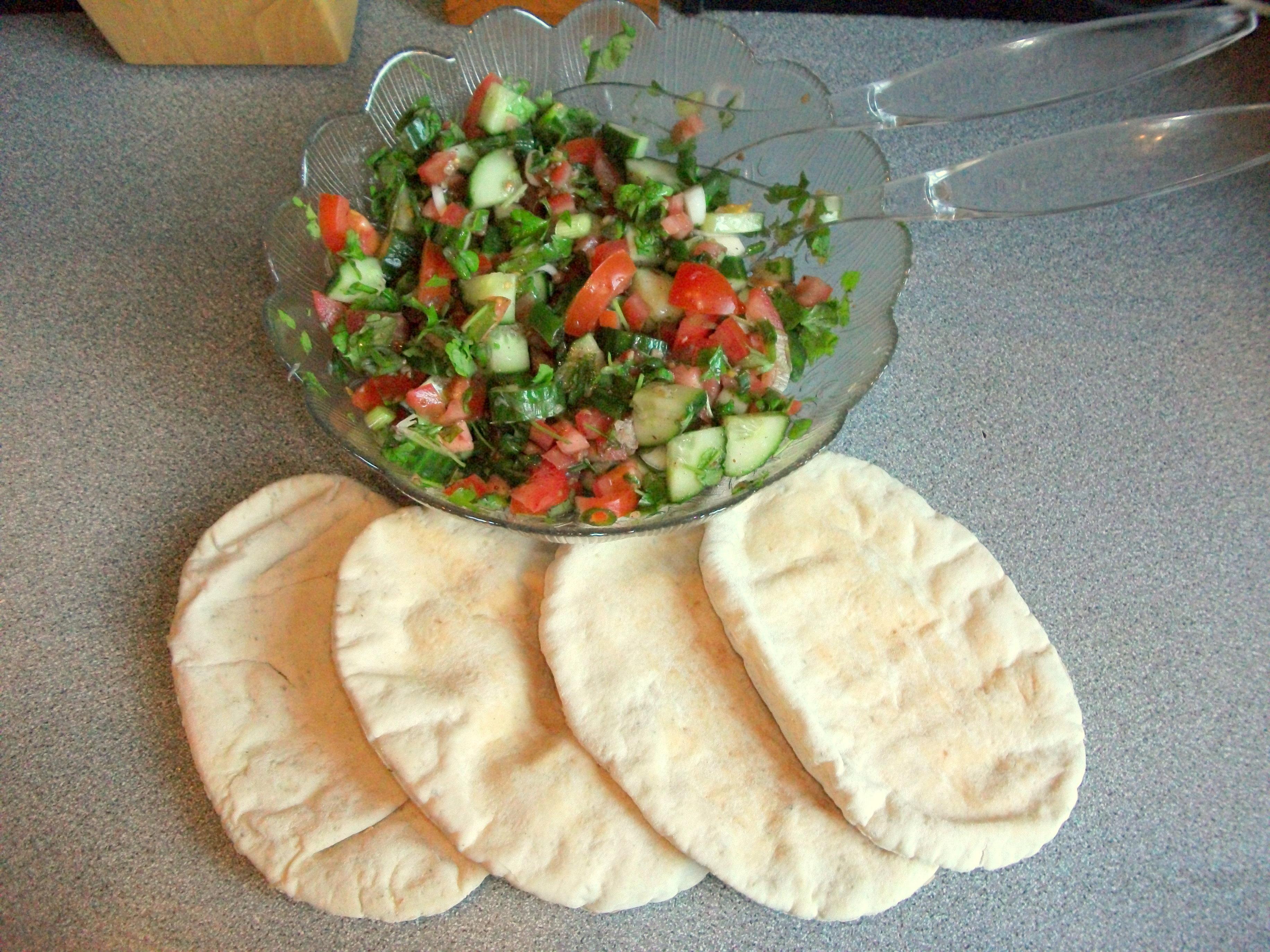 Fatoush - A zesty middle-eastern salad