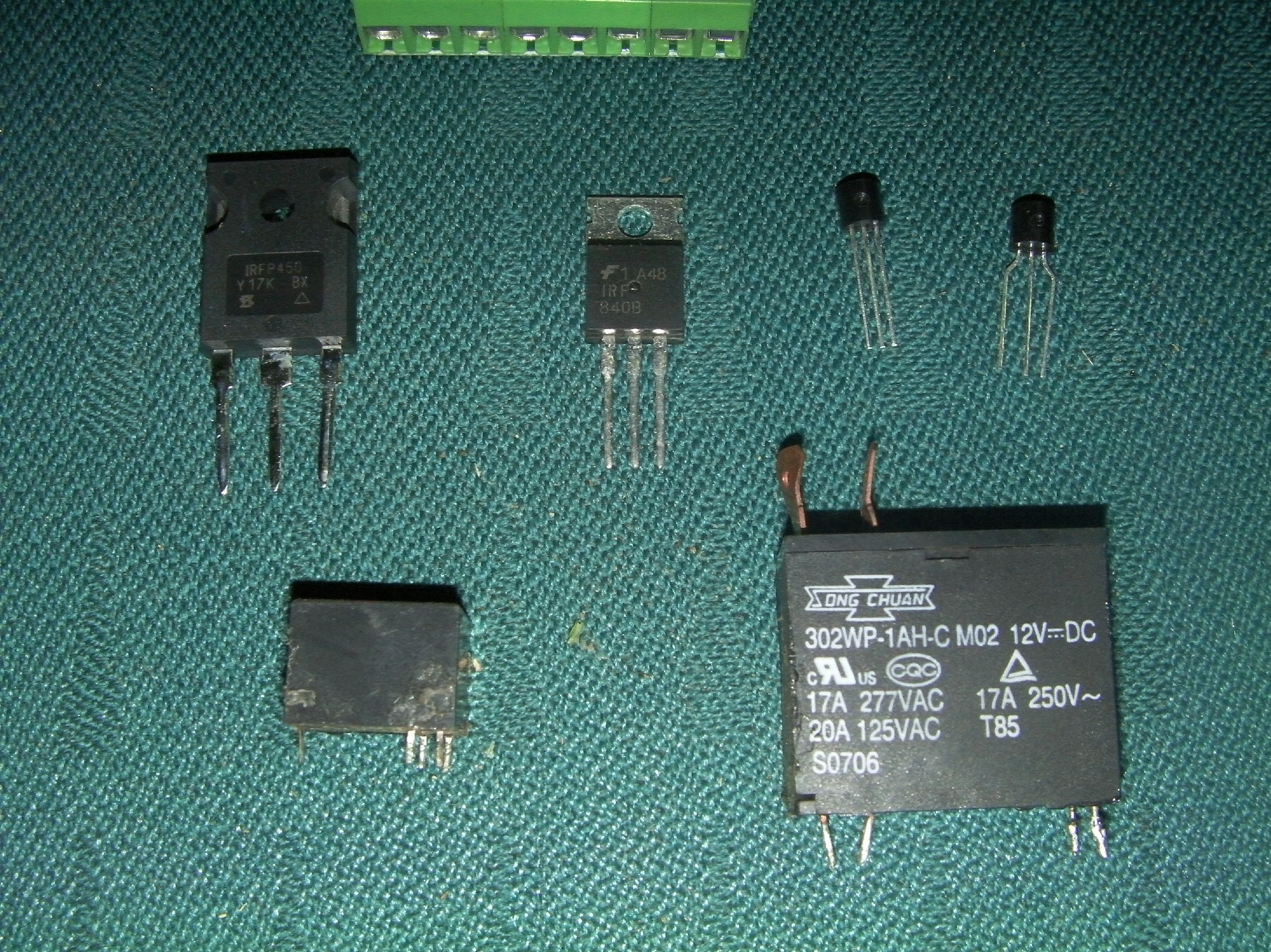 How Electronic Switches Work For Noobs: Relays and Transistors