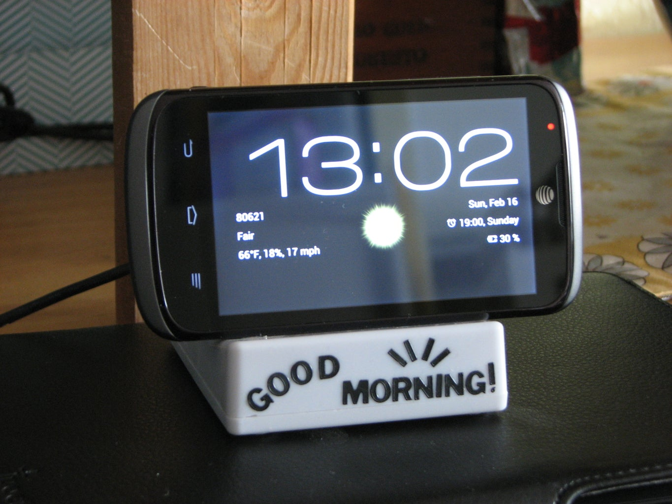 The Cheapest Charge & Sync Dock for Android Devices. (US$1)