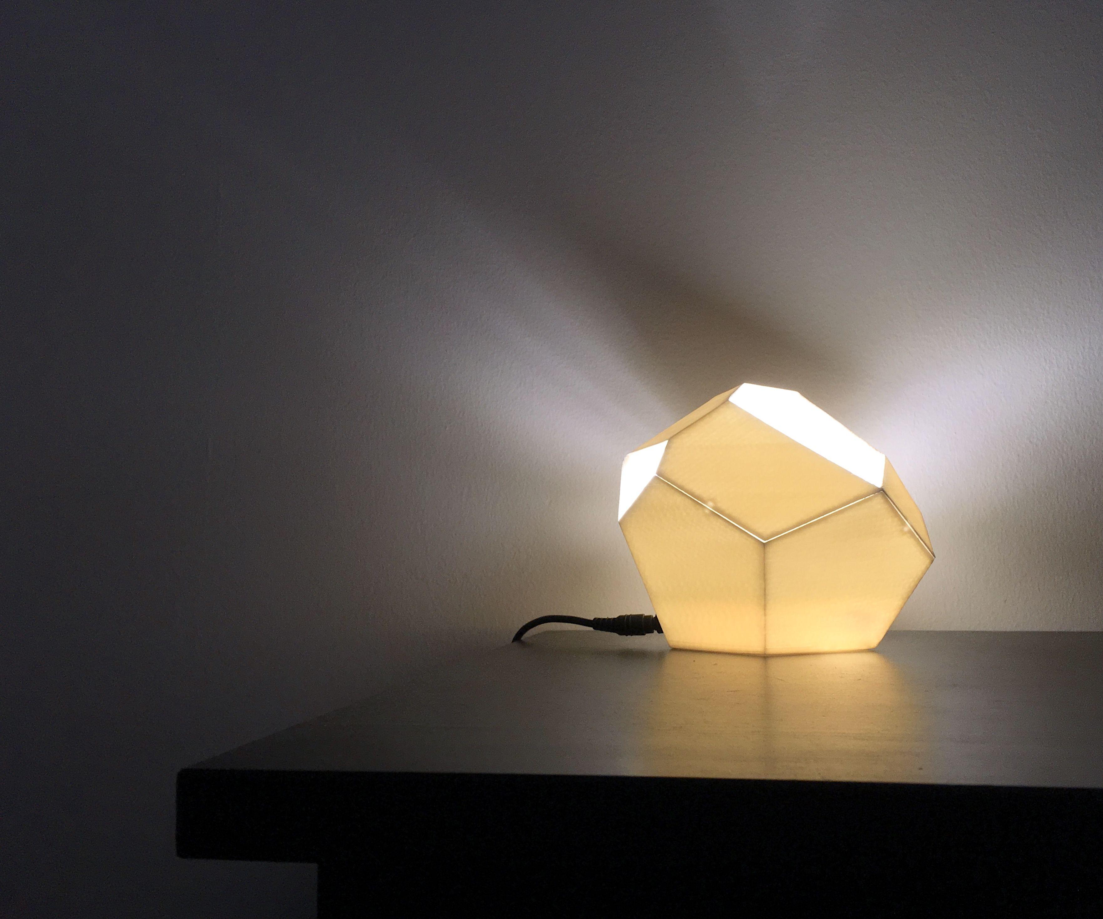 Low-Poly Geometric Desk Lamp