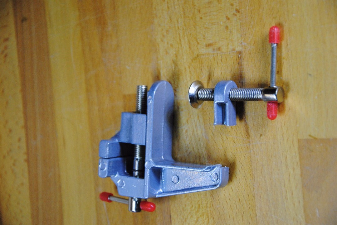 Saw the Vise (Saw Off the Screw Part)