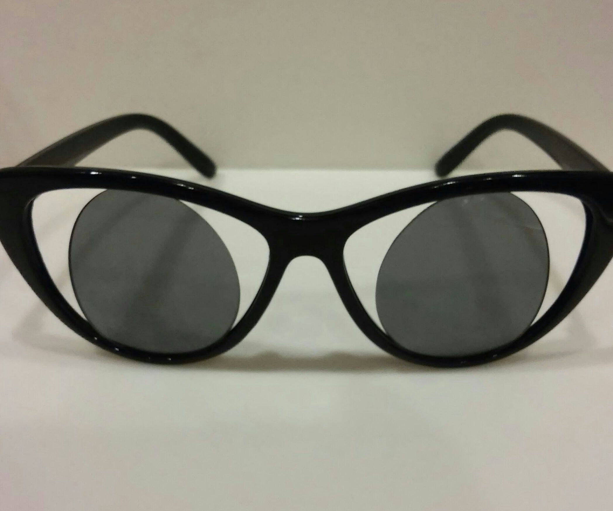 $2.00 Super Andy Warhol Nicolou Inspired Sunglasses