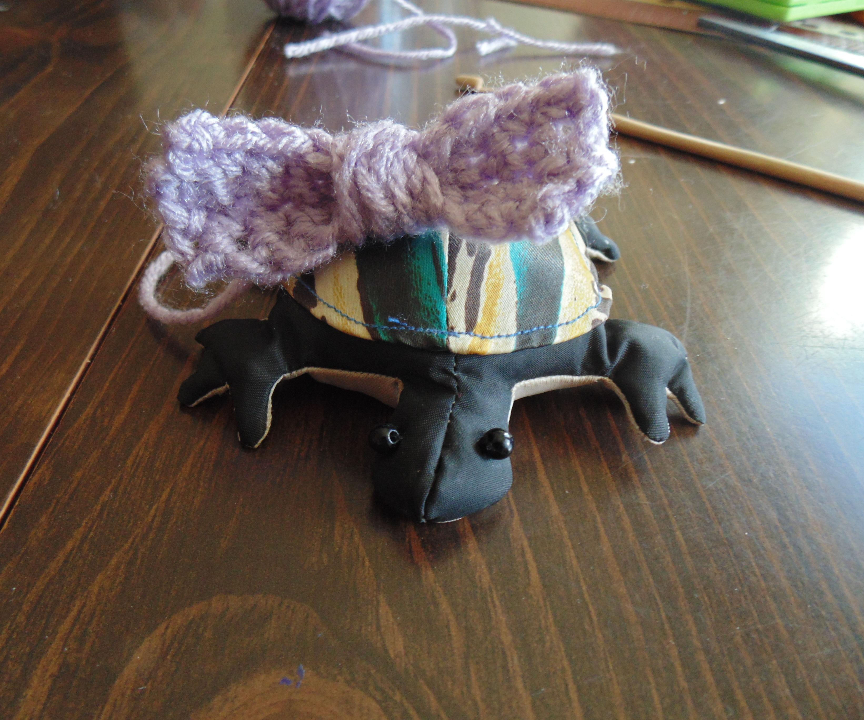 Make a simple crochet bow