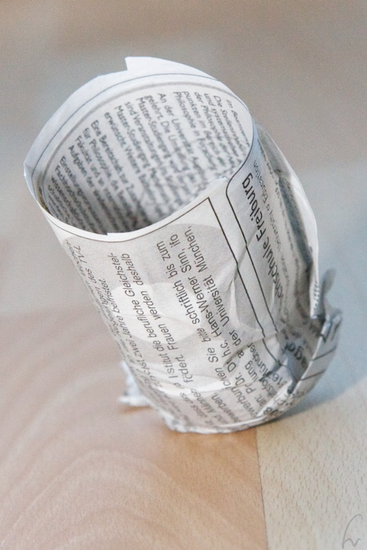 Make biodegradable seeding pots.
