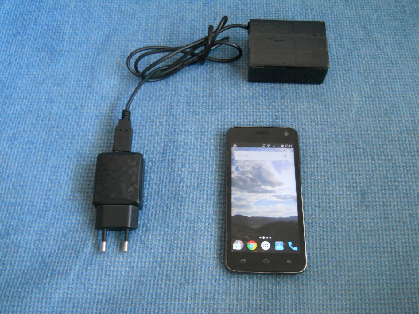 The BlackBOX-Super Fast Phone Charger (68% in 31 Minutes)