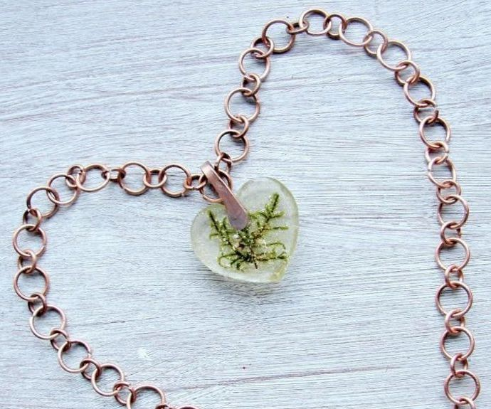 Handmade Transparent Pendant With Moss Inside