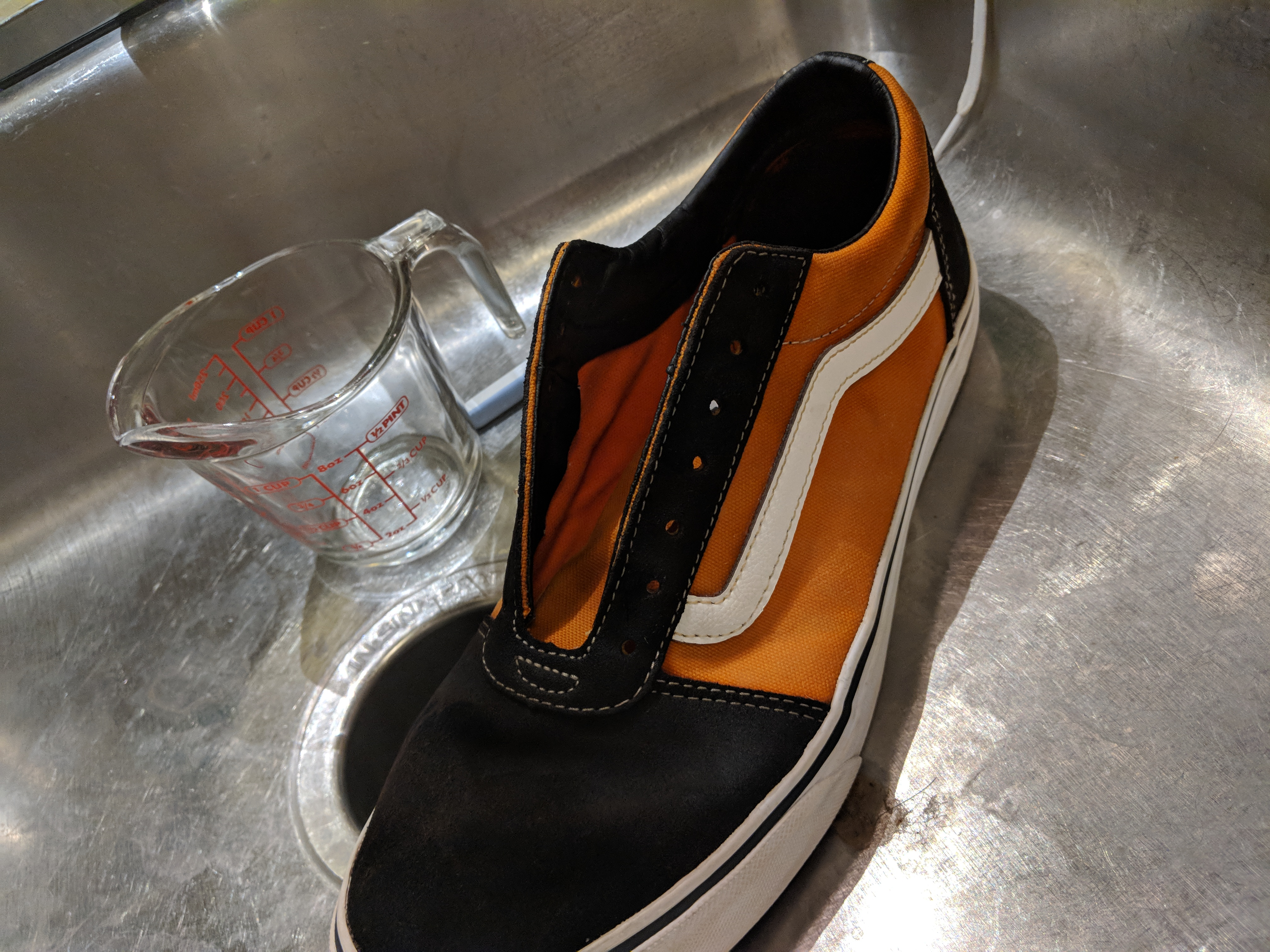 Bleached Vans Sneaker : 5 Steps