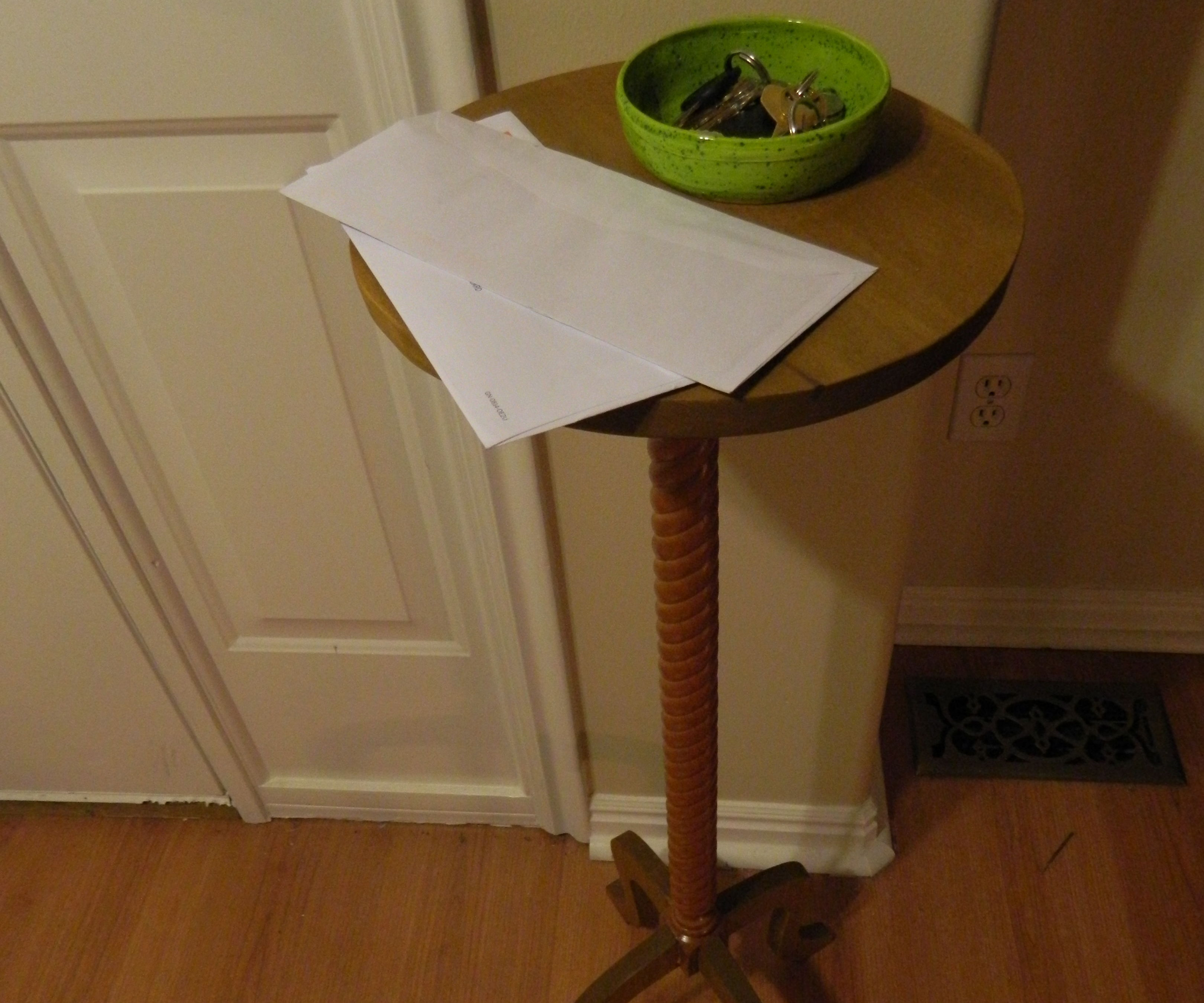 Candle Stand Style Entryway Table
