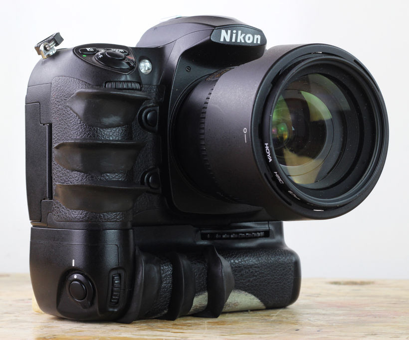 How to make custom grips for your camera using sugru