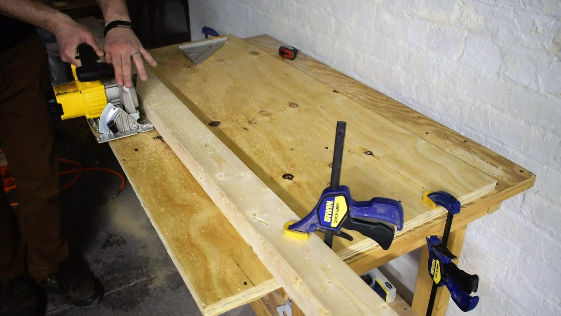 Cut the Table Top to Width