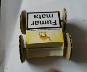 Sencillo Coche De Carton