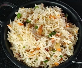 How to Make Burnt Garlic Vegetable Fried Rice?