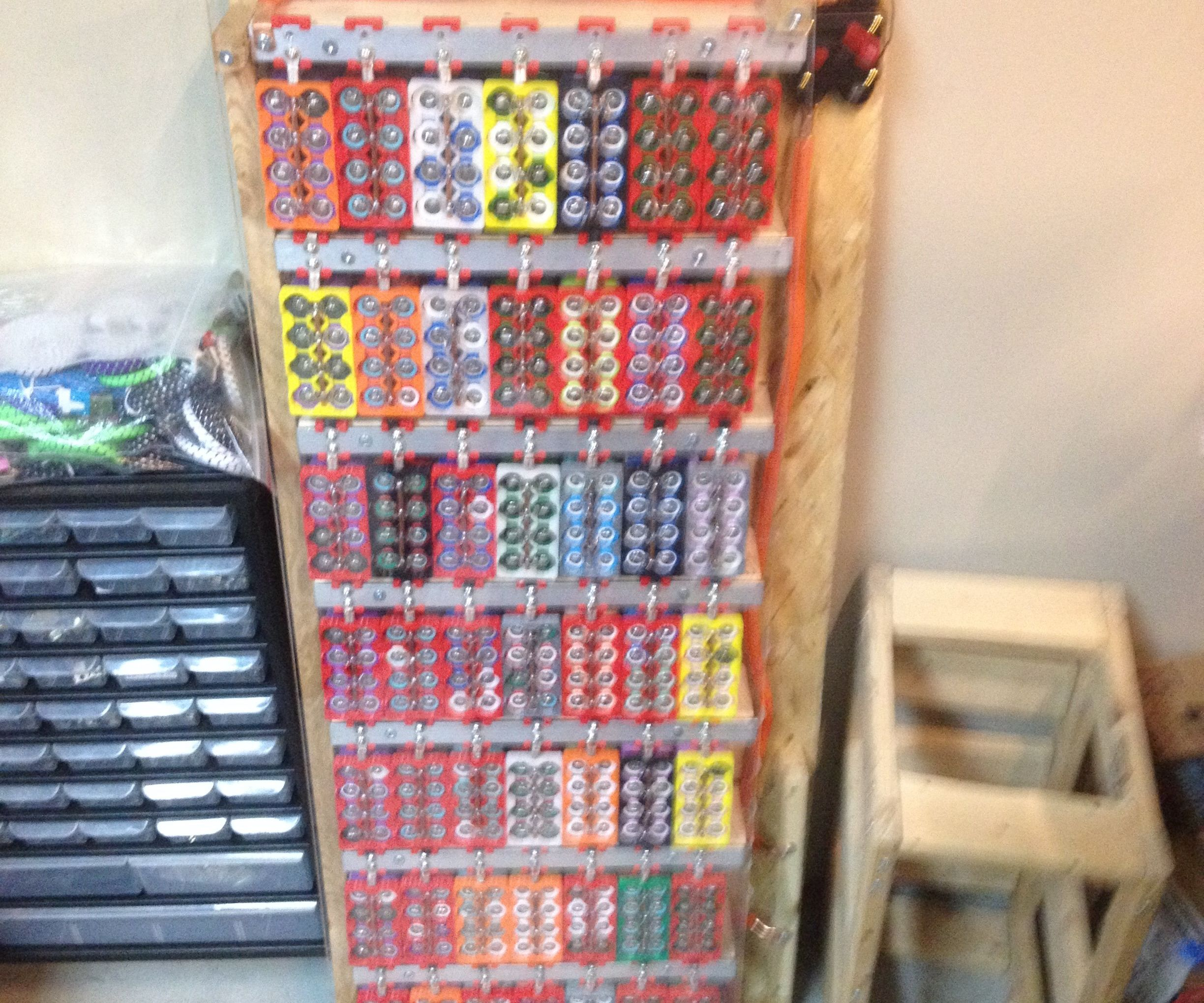 2.4kWh DIY Powerwall From Recycled 18650 Lithium-ion Laptop Batteries