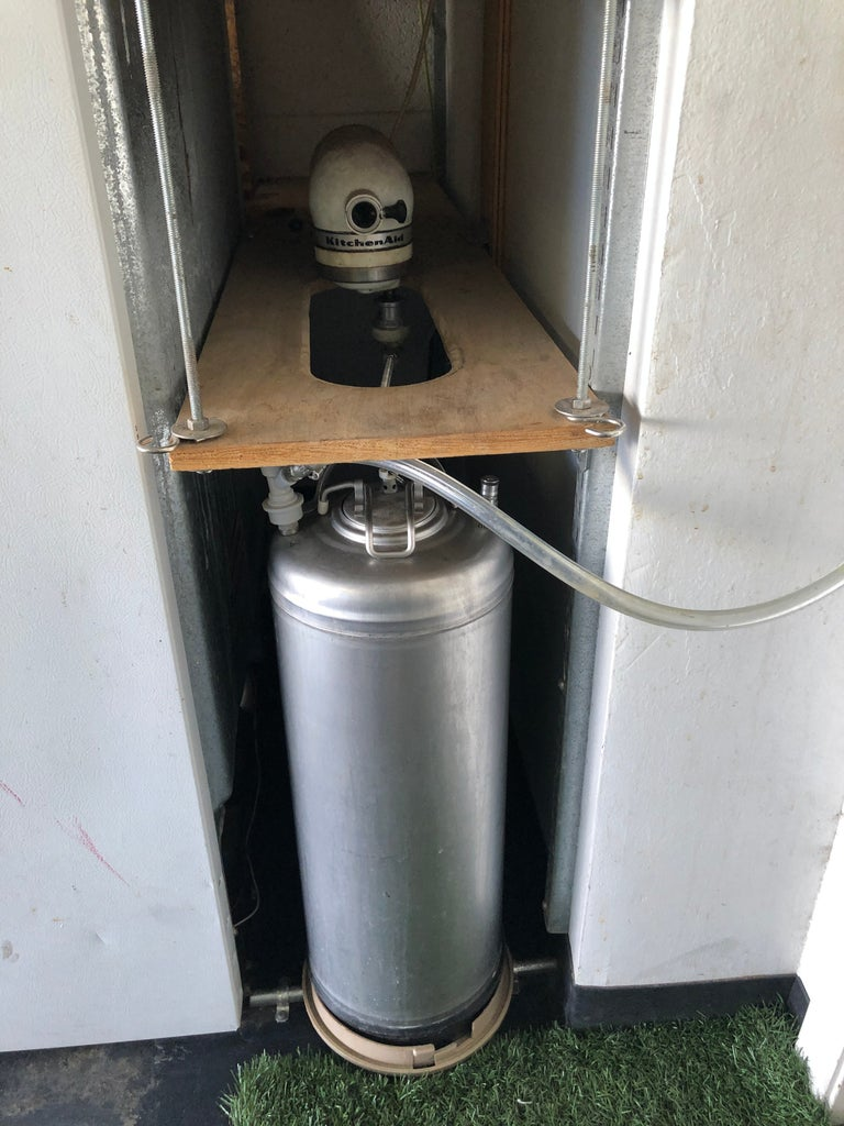 Lazy Man's Carbonating Shaker for Seltzer or Beer