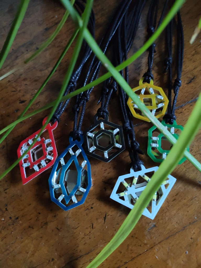 NeckLight V2 : Glow-In-The-Dark Necklaces With Shapes, Colors and LIGHTS