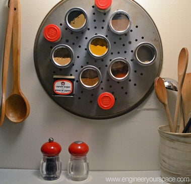 DIY Magnetic Spice Rack and Spice Containers