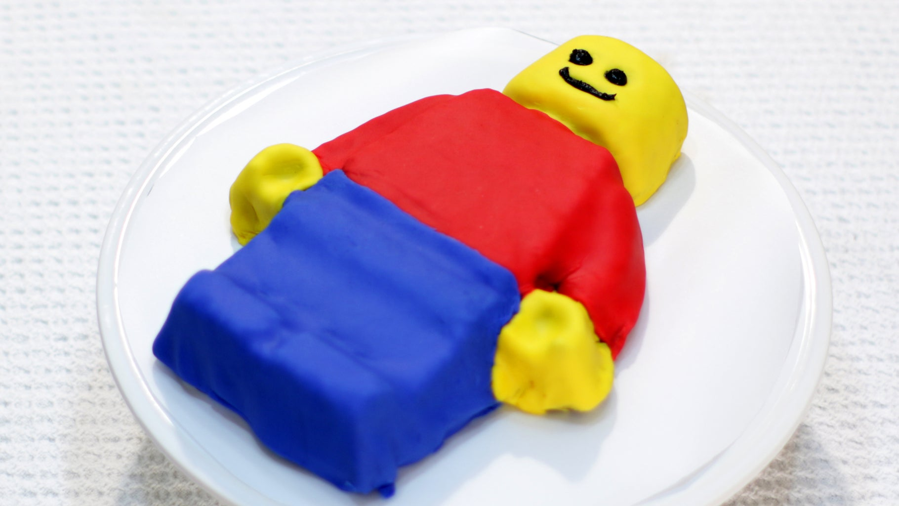 Make a Lego Man Cake