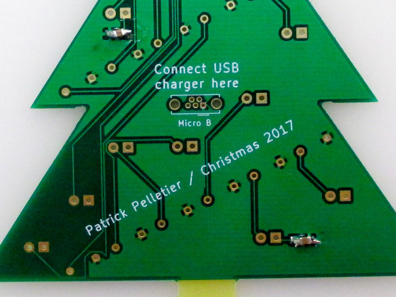 Solder on the Surface-mount Capacitors