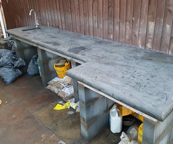 Outdoor Kitchen - Casting Concrete Worktop With Curved Edges