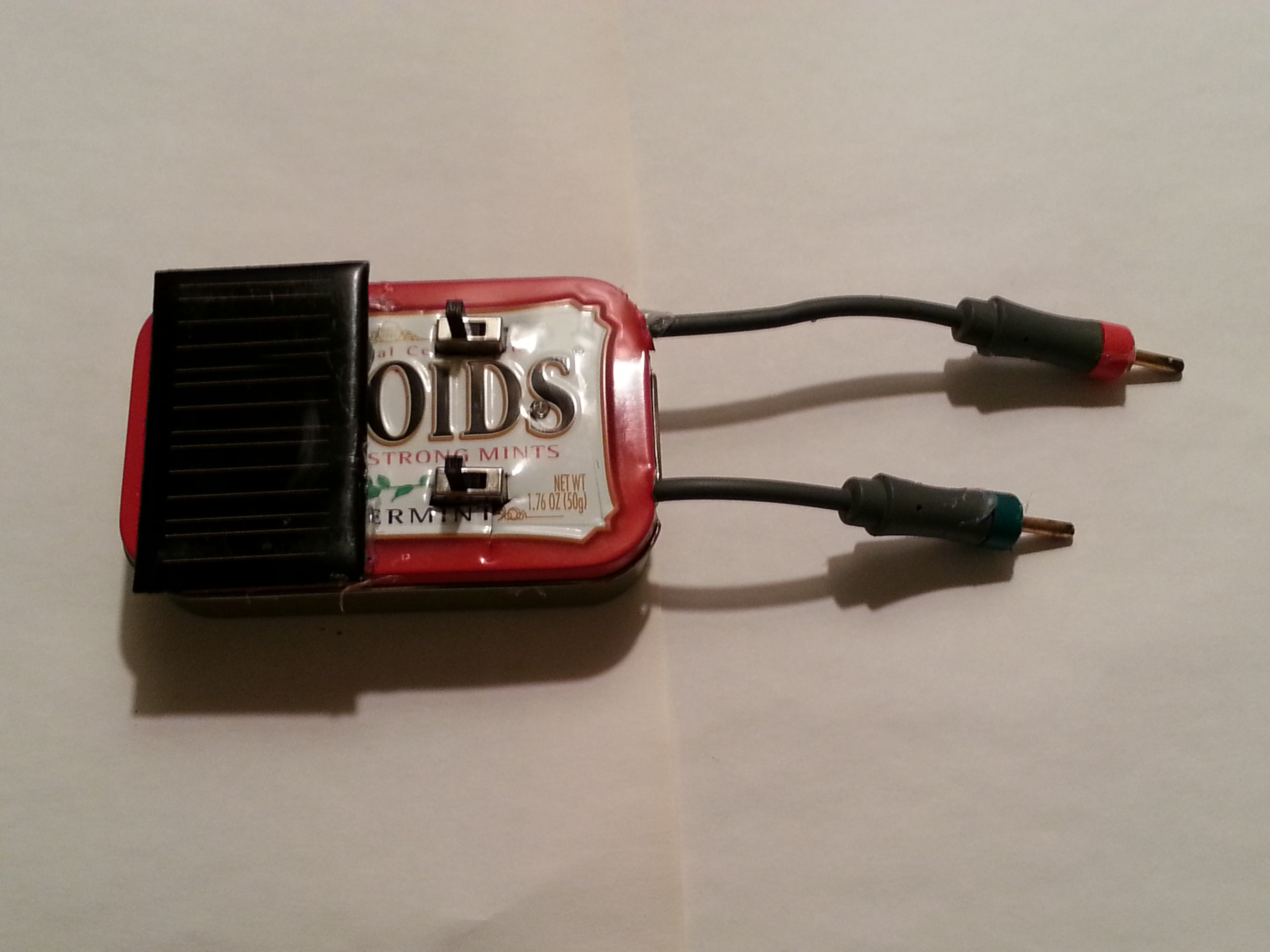 Solar rechargeable fire starter